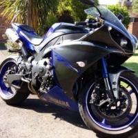 Yamaha R1 Big Bang