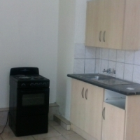 NEWLY RENOVATED BACHELOR FLAT TO RENT , CORNER CHURCH AND PRINCESS PARK STREET . CENTRAL