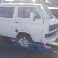 2002 2.3 vw micro bus white