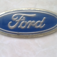 Oval Ford badge for older Ford
