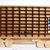 HOTWHEELS mega truck display for 99 hotwheels cars - Wood en display truck