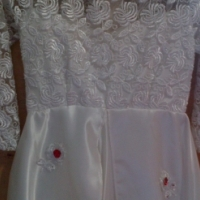 small girls wedding dress very nice my daughter only had it on twice for weddings she was in