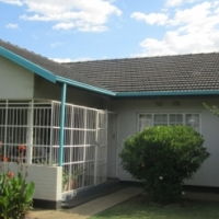 Spacious home on large stand in SE1 Vanderbijlpark
