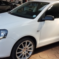 2011 Volkswagen Polo Vivo 1.6 Trendline 5DR for sale 138 000 Km's Mags, central locking, radio, cd,