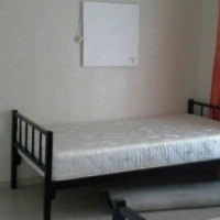Auckland STUDENT Commune fully furnished and equipped with bed, desk and chair from R2000
