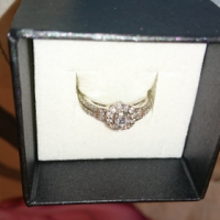 engagement ring white gold 0.65ct valued at 32000