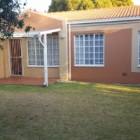 2 bed / 2 bath townhouse to rent in Farrarmere