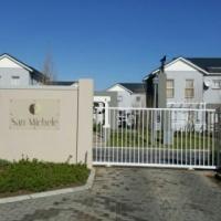 Brand New Upmarket Townhouse in Buh Rein Estate, Durbanville