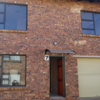 3 Bedroom Duplex Flats to rent Sunset Park Secunda