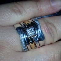 9ct Yellow gold and silver ring with 11 small diamonds
