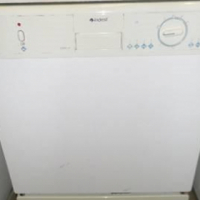 Indesit 3000w dishwasher.