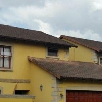 Upmarket Duplex to rent - Marianhill Road. Pinetown. Near schools and shops
