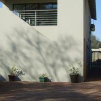 Rietfontein Moot - Duplex Garden Flat - Spacious & smart -  no pets or children