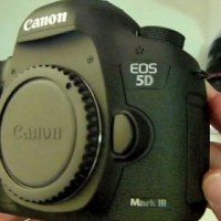 5d mark iii dslr canon with 24-105mm lens