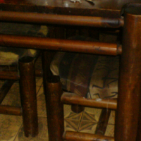 Solid wood dining room table and 6 x matching chairs