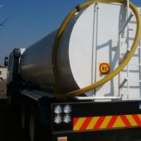 Nissan 16 000 litre watertanker.