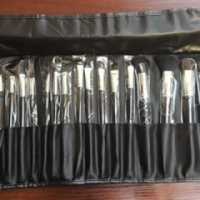 24 Piece make up brush set