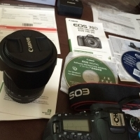 Canon EOS 70D 20.2 MP Digital SLR Camera Kit w/EF-S IS STM 18-135mm