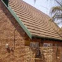 3 bedroom duplex with loft for sale in Garsfontein