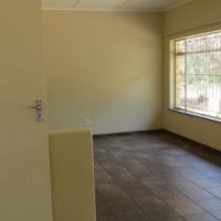 Tarlton Krugersdorp.  3 bed House R 6000 / pm.