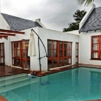 A MUST SEE Immaculate Cluster in Strathavon, avail. immed