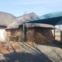 neat spacious 2 bedroom 2 bathroom cottage Bainsvlei Bloemfontein