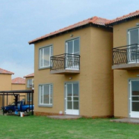 2 Bed 1 Bath Townhouse in Vaalpark
