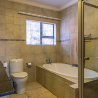 MATUMI GOLF ESTATE - HOUSE TO RENT R19 800