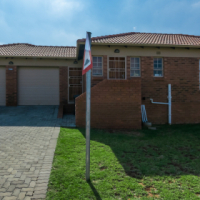 3 bedrooms to rent near Amberfield