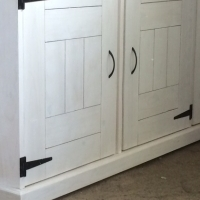 Laundry Cupboard Farmhouse series 1900 with 3 doors - White washed