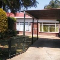 Simplex with garden in Rietfontein