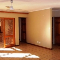 4 BED HOUSE TO LET IN DORINGKLOOF