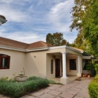 5 BEDROOM HOUSE FOR SALE IN GOLDEN ACRE