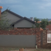 A speciuos Bachelor with its own bathroom and kitchen siutated in Philip nel park PTA west