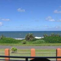Holiday beach flat Uvongo for sale - fully furnish