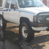 Toyota Hilux 2.4 Petrol