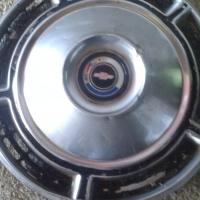 Chevrolet Kommando, older model: hub cap