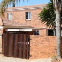 Townhouse For Sale In Moreleta Park Ext 23 , Pretoria