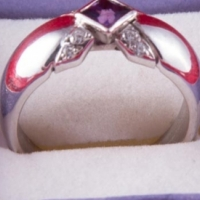 9ct White Gold Ring with 1 x Center Amethyst & 8 x Cubic Zirconias for sale  East Rand