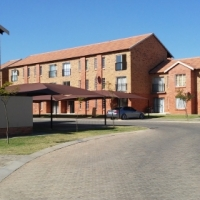 Beautiful Bachelor Flat to Rent in Secure Complex in Pretoria North
