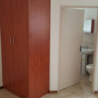 Neat small Bachelors apartment to rent in Gezina