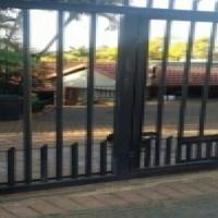 Pretoria Gardens house to rent/for sale