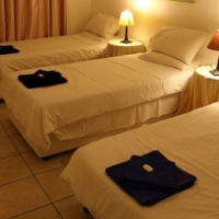 BUDGET, CLEAN Self Catering Accommodation -  HOLIDAYMAKERS, CONTRACTORS, BUSINESSMEN In Durban North