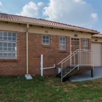 3 bedrooms to rent in Olievenhoutbosch