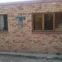 room to rent with toilet shower in Bloubosrand in between Norhtgate mall and montecasino R2000