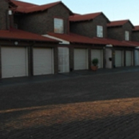 WESTONARIA 3bedroomTownhouse R720,000