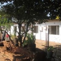 4 Houses in scenic setting 25m West of Pretoria