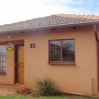 2 BEDROOM HOUSE IN ORCHARDS - R545 000