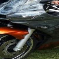 Yamaha R6 superbike