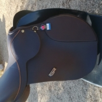 Brand new Trident GP saddle